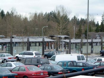 Lynnwood Transit Center was designed by Zimmer Gunsul Frasca and built by Bayley Construction