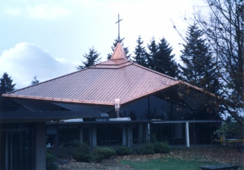 Mercer Island Presbyterian Church was designed by Broweleit Peterson Hammer and built by Crownover Construction
